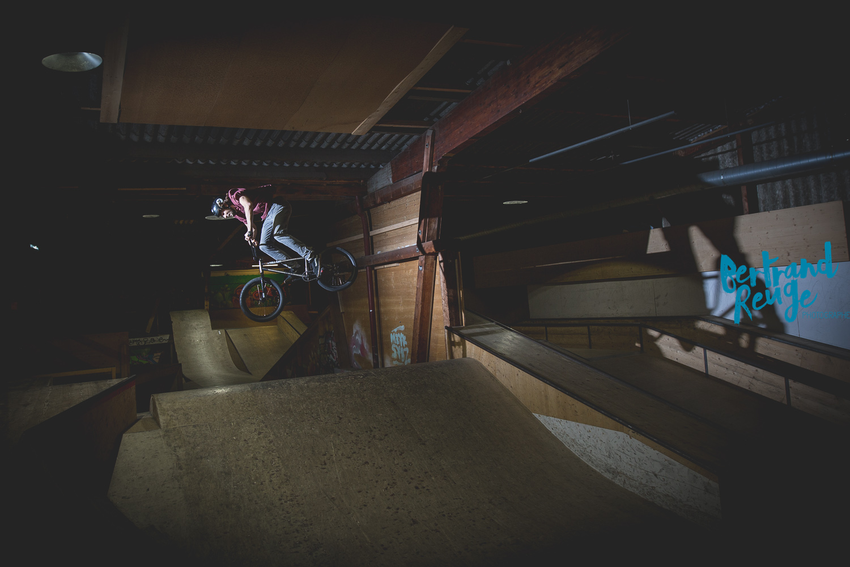 14220255-bike park lausanne.jpg