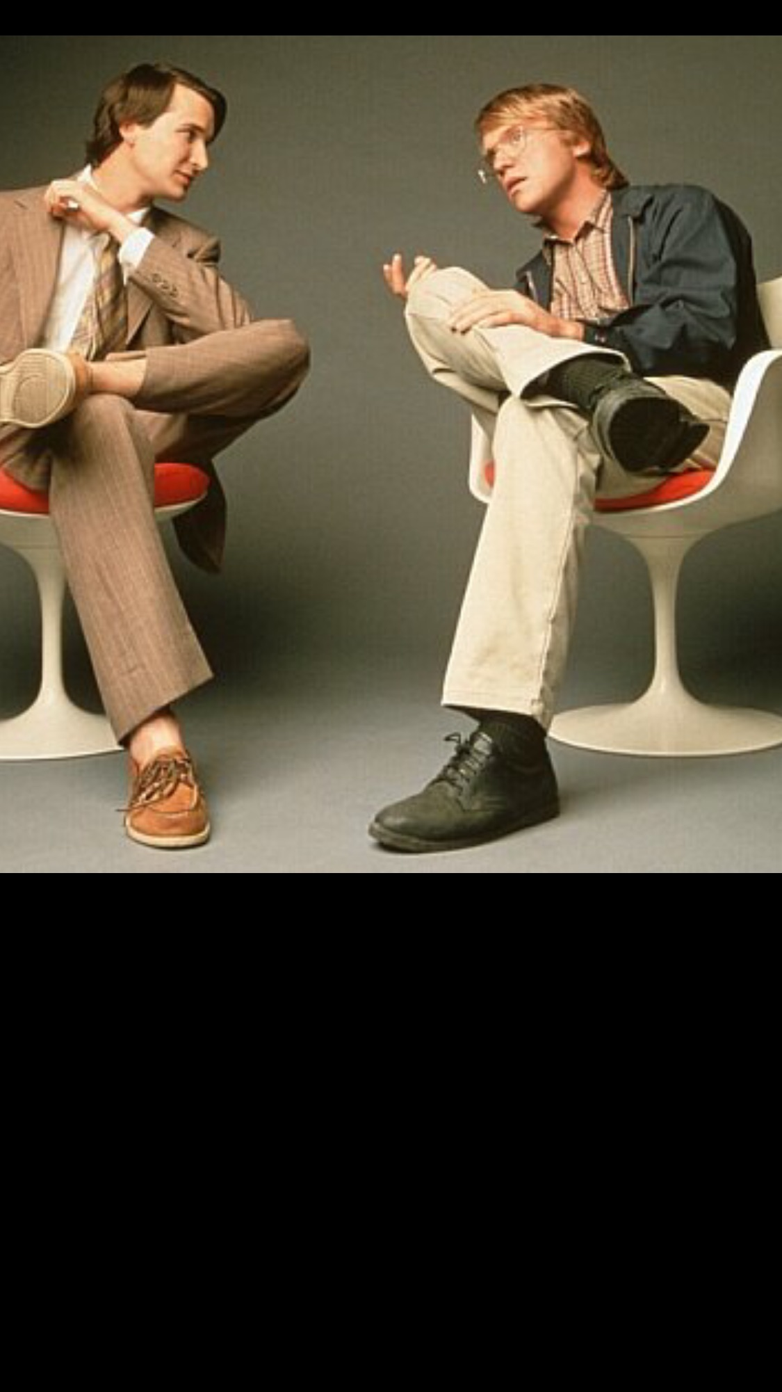 Noah Wyle and Anthony MichaelHall      as Steve Jobs and Bill Gates.
