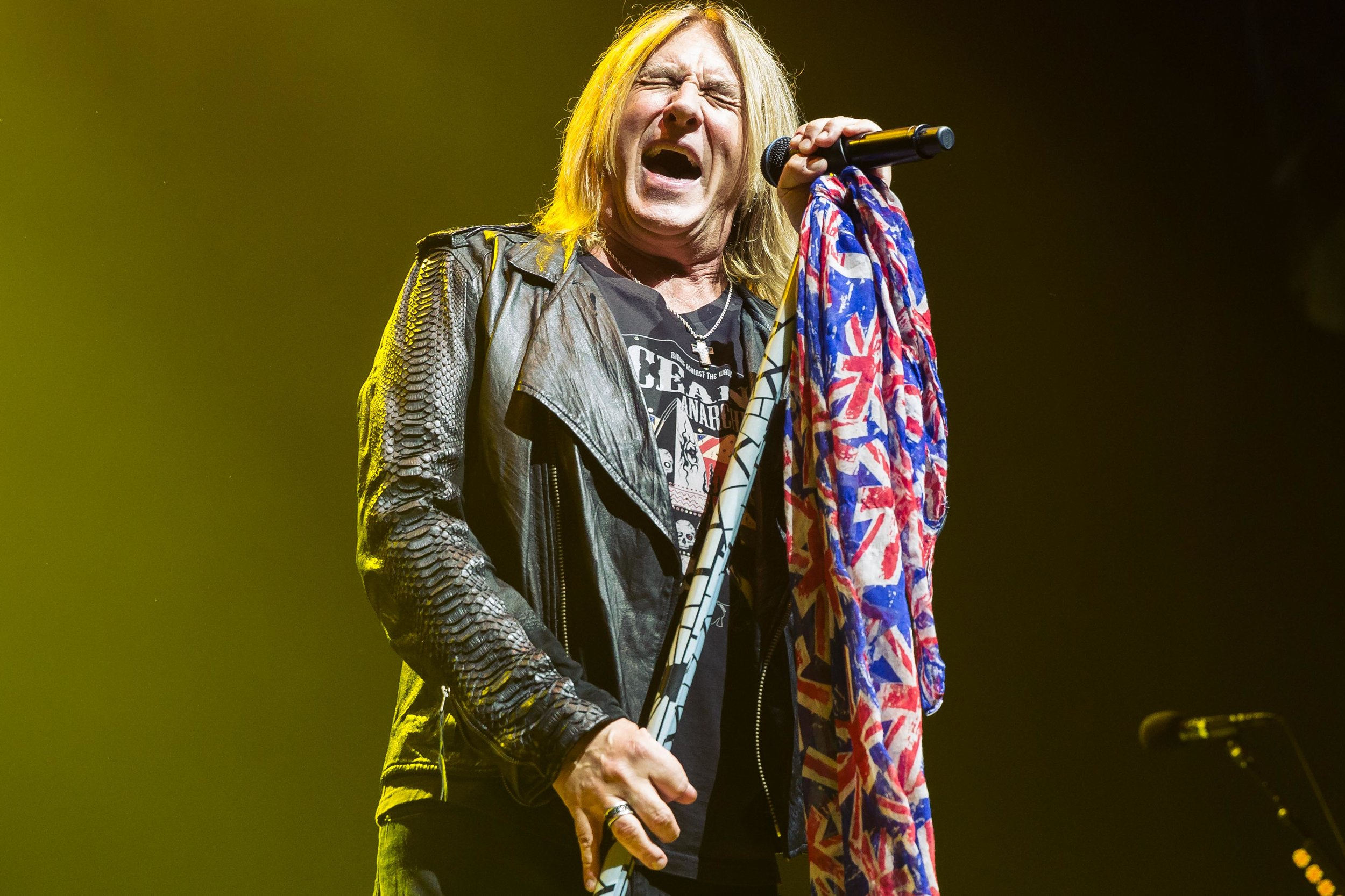 Def Leppard at the Bell Center in Montreal