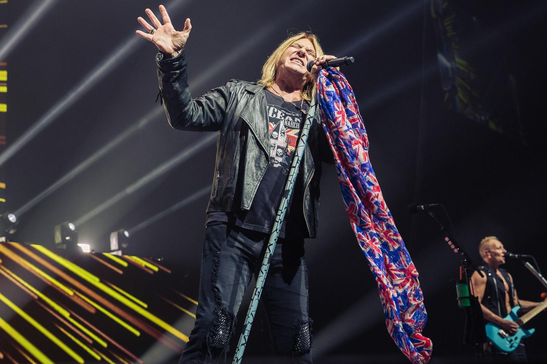 Photo taken of Def Leppard - Montreal Rocks Music Blog