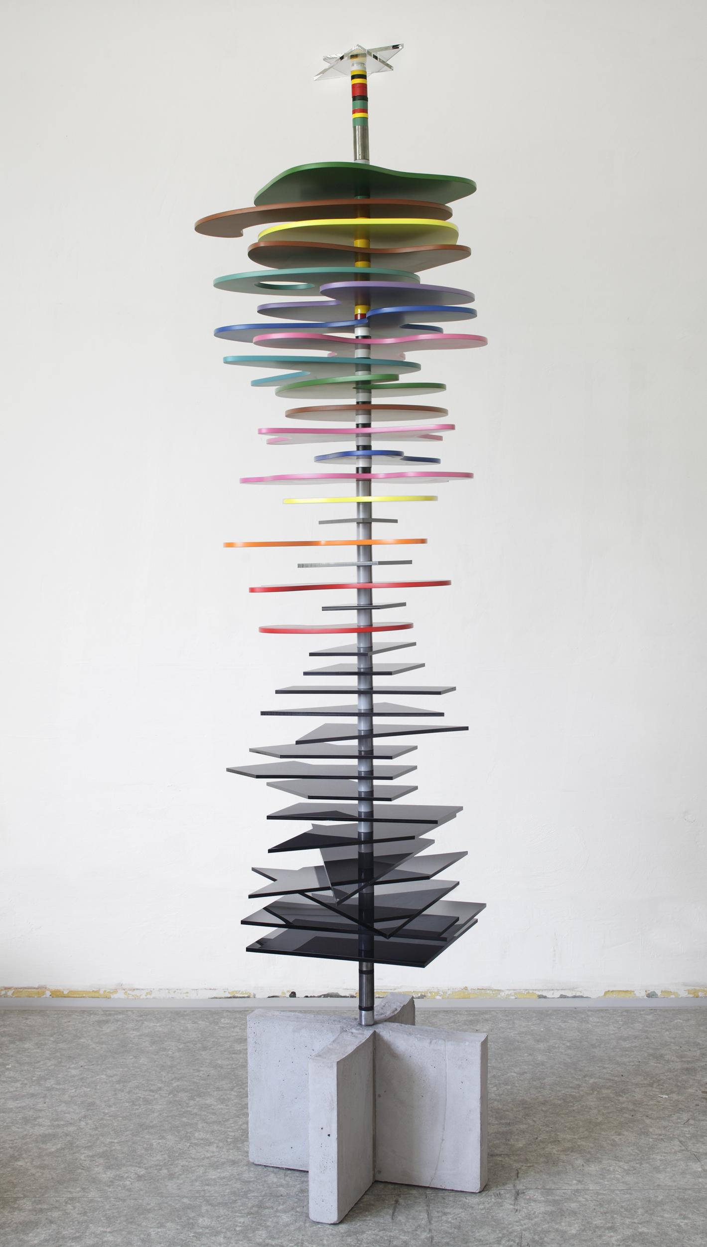 Toystory vol.12011,275x90x60,drevo,kov,plast,beton (2).jpg