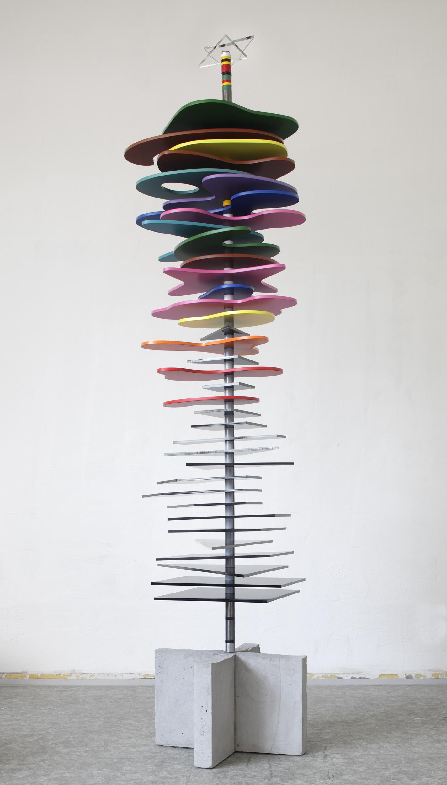 Toystory vol.12011,275x90x60,drevo,kov,plast,beton.jpg