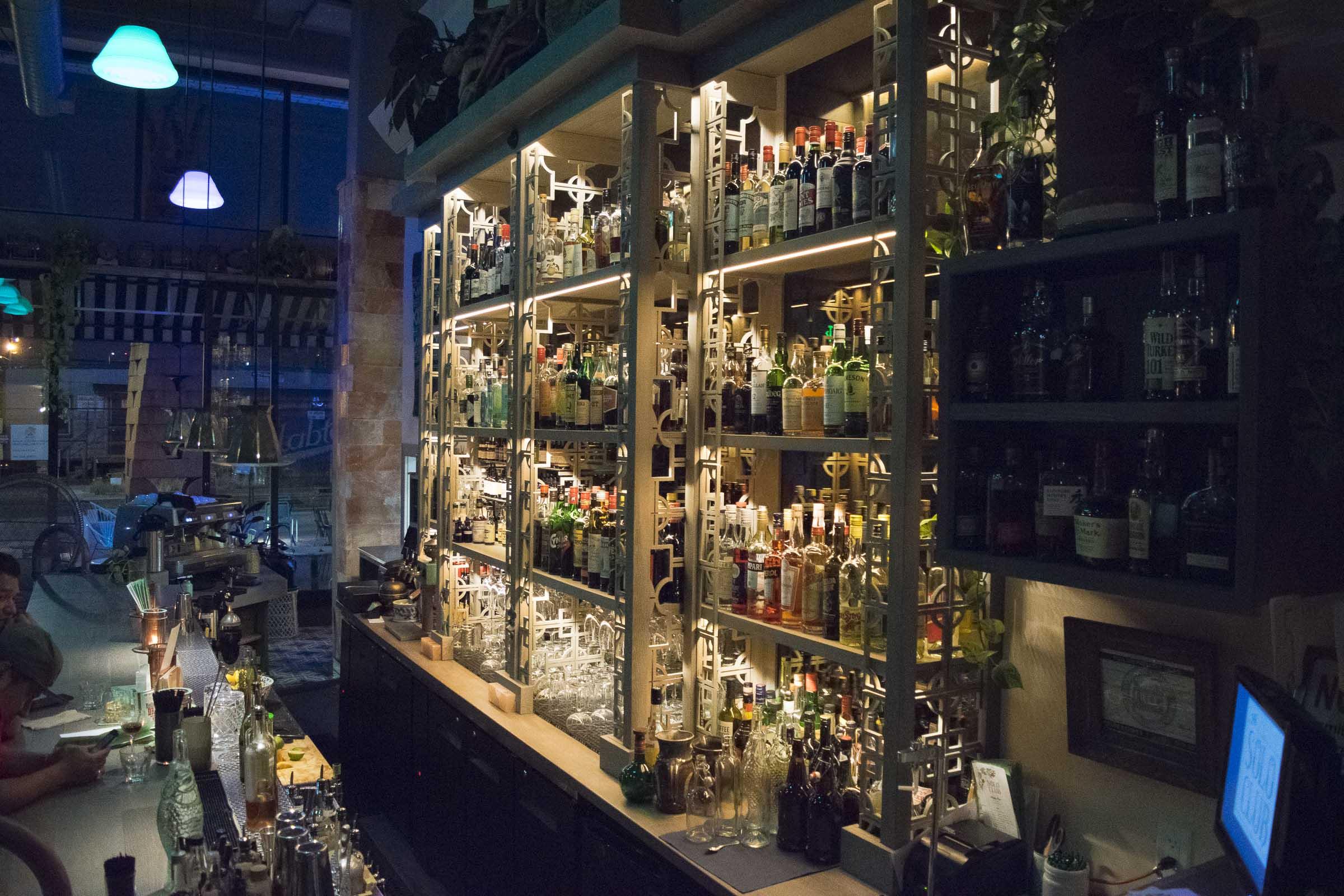 SOLO INTERIOR bar.JPG