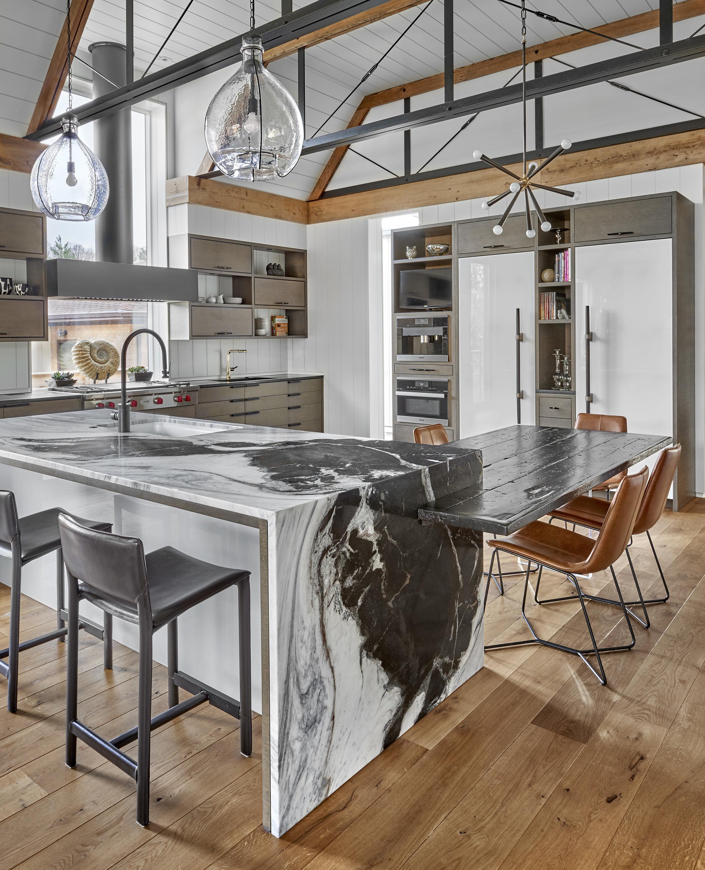 529 Hickory Kitchen.jpg