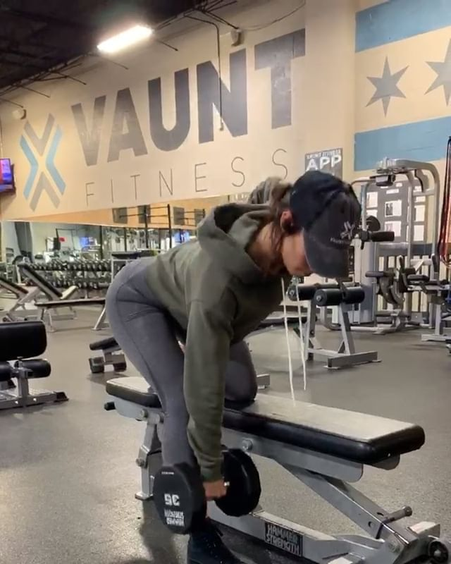 A few new ways to switch up your normal workout routine and target legs! Vaunt Fitness has a brand new Sissy Squat machine that is an awesome alternative to a normal squat🏋🏼‍♀️ Swipe to the third slide to check it out!➡️ • • • #vauntfitness #vauntchicago #chicagogym #vauntpremiumhealthclub #fitness #fitspo #training #premiumclub