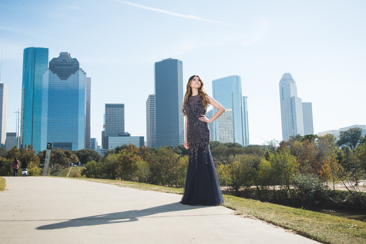 UHD houston downtown downtown district uppe  houston senior phootography photography photos senior portraits astros stadium astros stros minute maid world series  senior portraits houston downtown east photographer university of houston cougars sabine