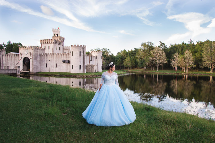 35Quinceanera Dresses ideas hairstyles themes decorations photography poses cakes photoshoot houston texas best quinceanera photographer.jpg