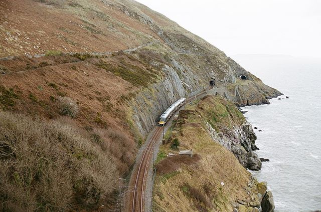the most scenic train ride you'll probably ever take 🇮🇪