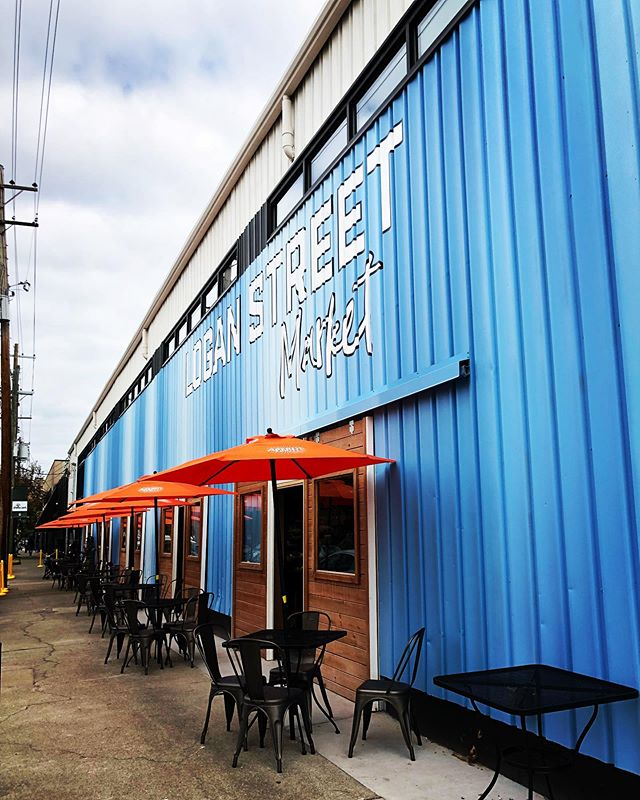 FINALLY checking out the new @loganstreetmarket today!! Excited for this new development in Shelby Park and what that will mean for revitalization efforts in this area 🤗 Follow along in stories! . . . #louisville #mylouisville #sharelouisville #louisvillelove #kentucky #kentuckykicksass #realestate #realestateinvestor #house #home #remodel #renovation #restoration #interiordesign #homedecor #currentdesignsituation #interiors4all #girlboss #realtor #shoplocal #buylocal