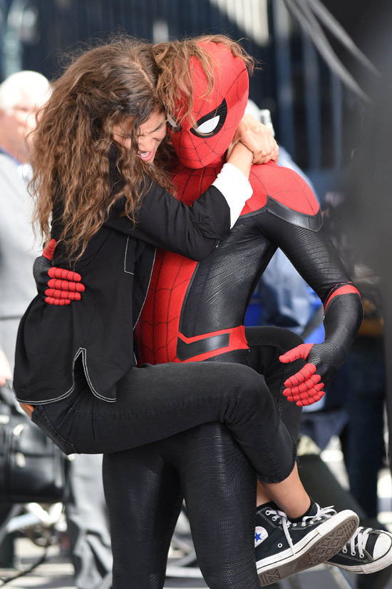 Tom-Holland-Zendaya-Movie-Set-Spider-Man-Far-From-Home-Tom-Lorenzo-Site-3.jpg