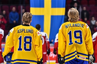 Nylander ad Asplund could be a dynamic duo for the Sabres for years to come - photo cred to Getty Images, Nina Panagiotakis