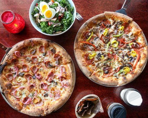 Pinky's Pizzeria , Overlook