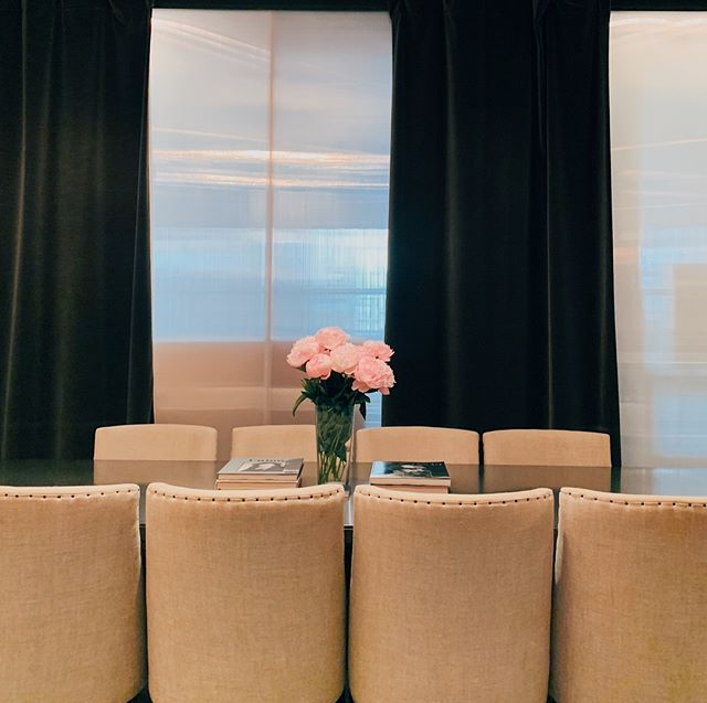 Welcome to @thompsonsquarestudios ! 🌸 . . . #thompsonhousegroup #thompsonsquarestudios #soho #sohonyc #coworkingspace #coworkingnyc #elevated #workspace #happyhournyc  #eventplanning #luxuryeventspace #community #officegoals #elevated #luxury #luxurylifestyle #luxuryevents #private #membersclub  #membersonly #prettycitynewyork #seeyourcity #nycgo #timeoutnewyork #sohonyc