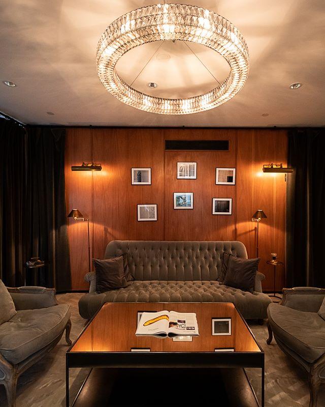 Low light and comfy space - You are at @thompsonsquarestudios . . . #thompsonhousegroup #thompsonsquarestudios #soho #sohonyc #coworkingspace #coworkingnyc #elevated #workspace #happyhournyc #eventplanning #luxuryeventspace #community #officegoals #elevated #luxury #luxurylifestyle #luxuryevents #private #membersclub #membersonly #prettycitynewyork #seeyourcity #nycgo #timeoutnewyork #sohonyc