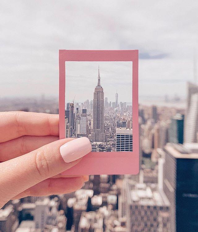 Snap shot from the city we love! 📷: By @thefiorka . . #thompsonhousegroup #thompsonsquarestudios #soho #sohonyc #coworkingspace #coworkingnyc #elevated #workspace #happyhournyc #eventplanning #luxuryeventspace #community #officegoals #elevated #luxury #luxurylifestyle #luxuryevents #private #membersclub #membersonly #prettycitynewyork #seeyourcity #nycgo #timeoutnewyork #sohonyce details.