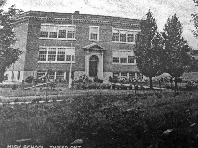Postcard of old Tweed High School. Photo courtesy: Tweed Heritage Centre