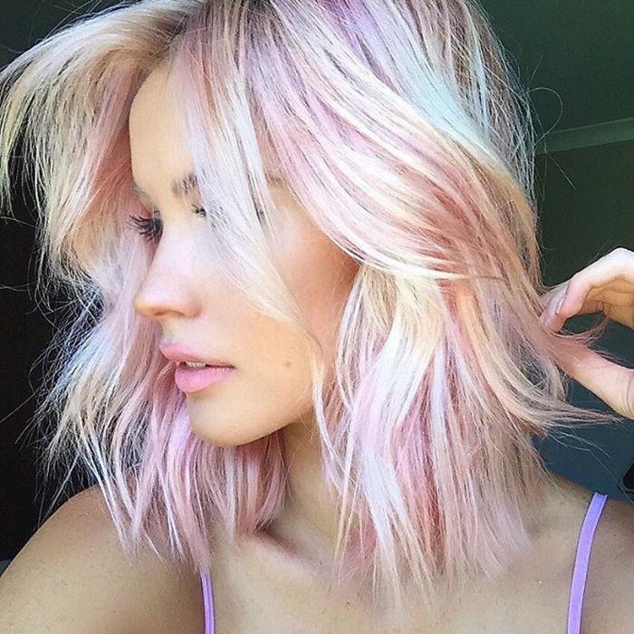 http://www.boredpanda.com/holographic-hair-trend-2017/?media_id=770174&utm_source=facebook&utm_medium=link&utm_campaign=cutepolish
