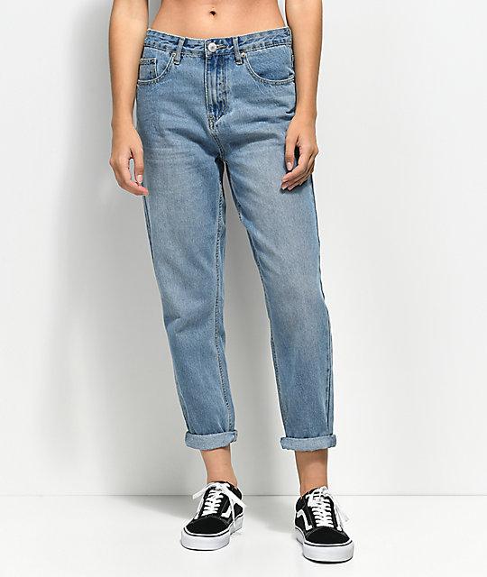 Unionbay-Vintage-Light-Wash-Mom-Jeans-_283642-front-US.jpg
