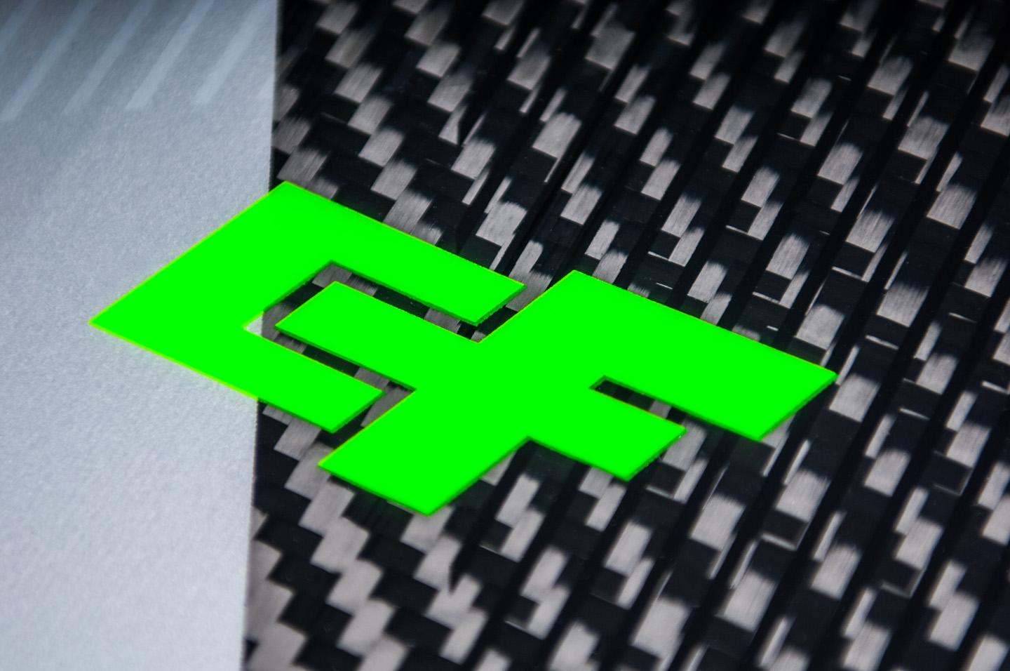 raptor-ltd-neon-6.jpg