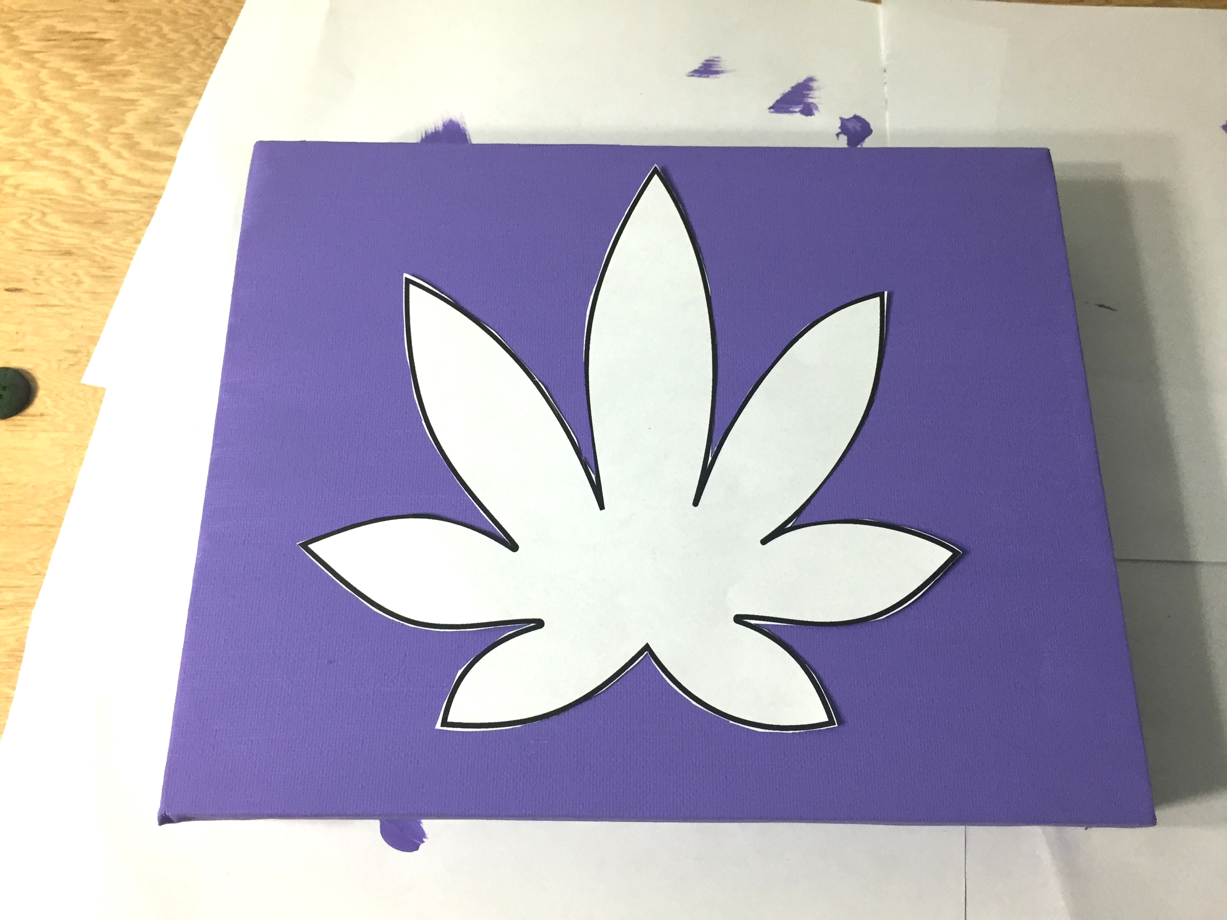 button marijuana leaf craft wall art