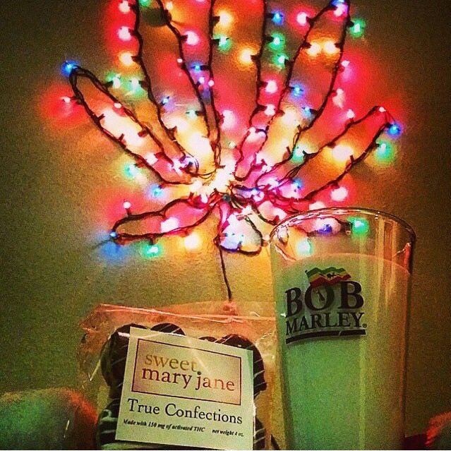 cannabis christmas lights
