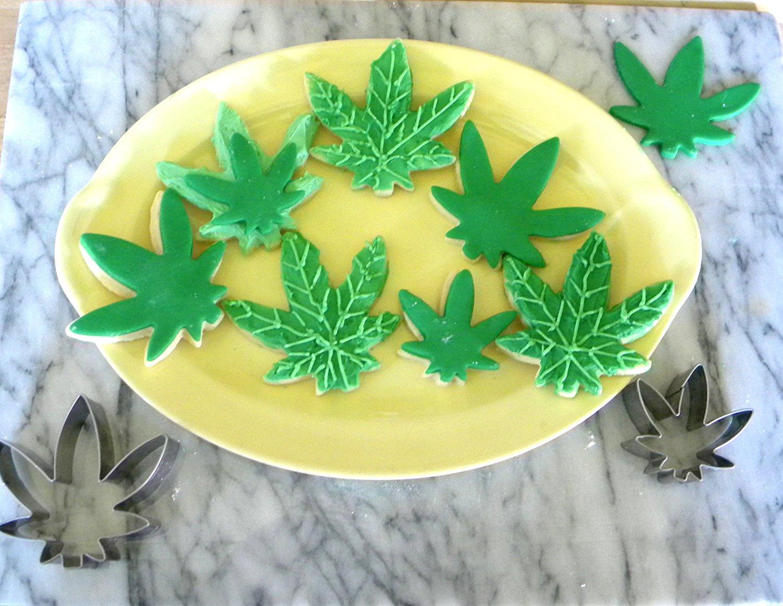 marijuana leaf cookie cutter