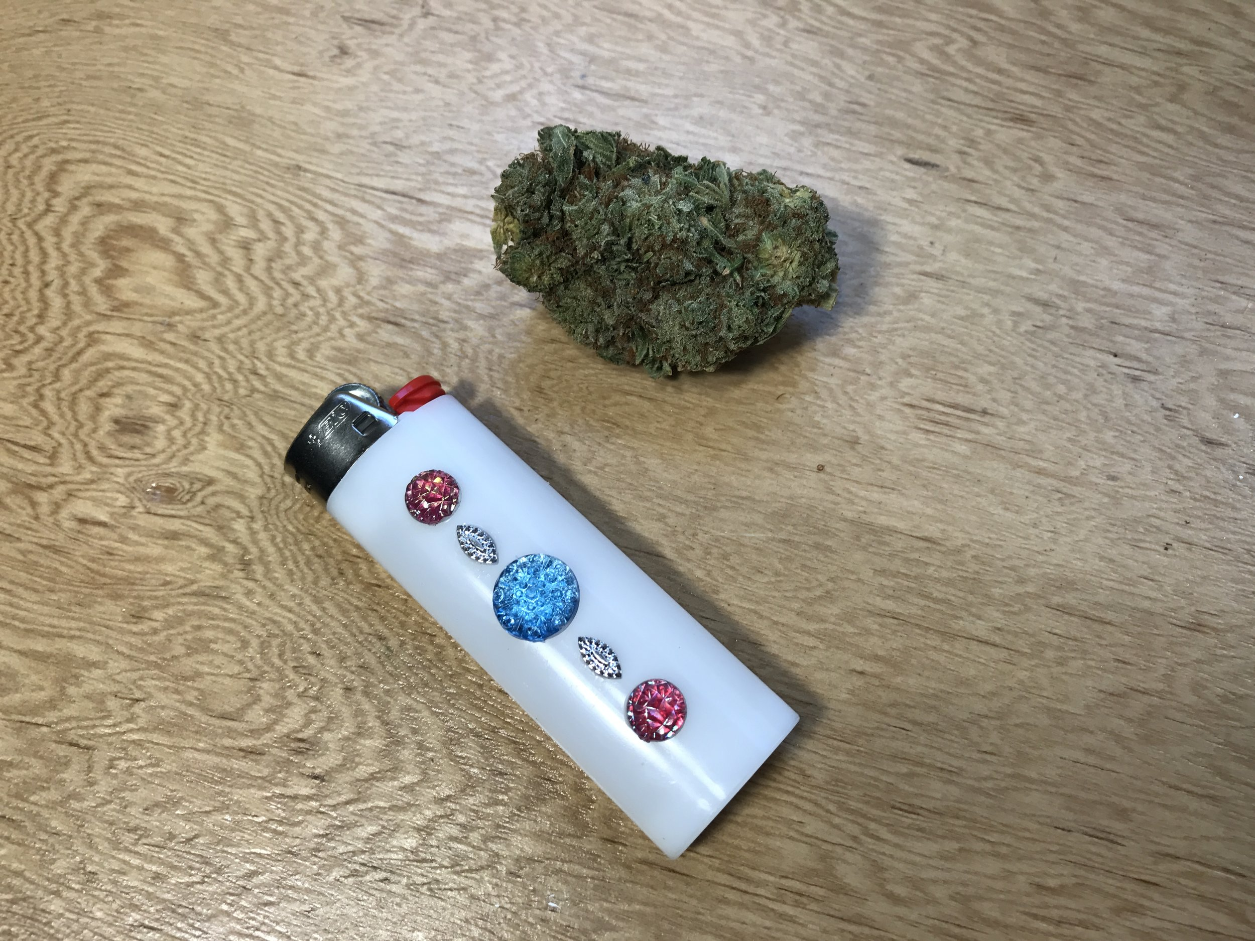 Stoner Crafts: How to Decorate your Lighter