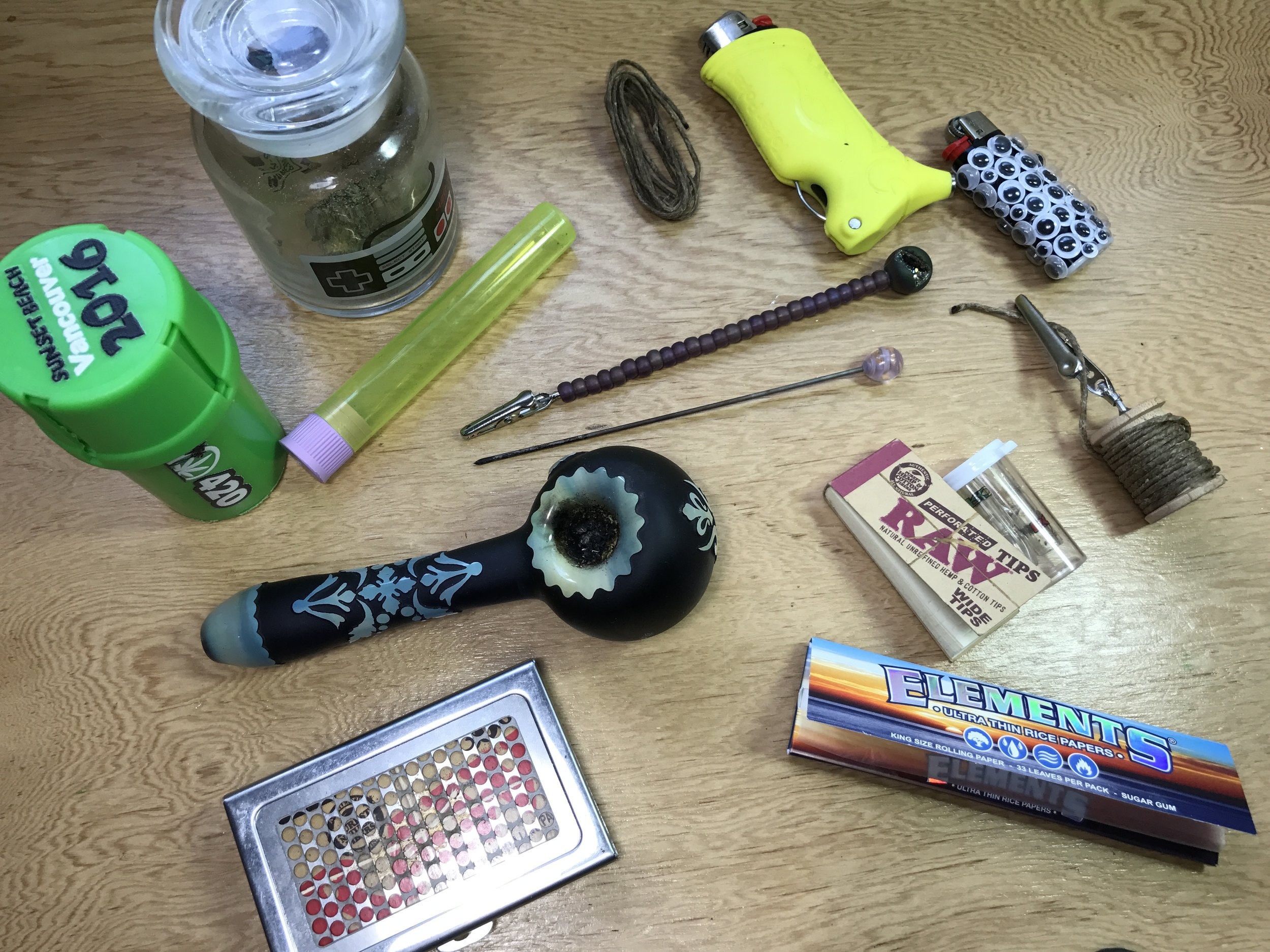 Things to put in your stoner kit