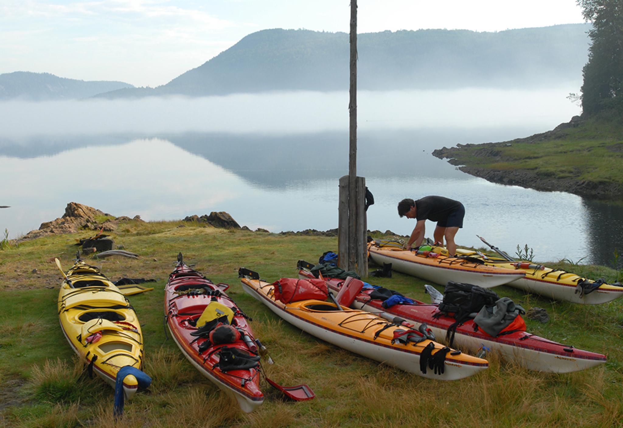 kayak_20camping_20anse_20au_20cheval_20_28c_29_20Fjord_20en_20Kayak_20JC_20Fortin.JPG