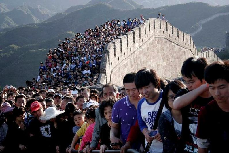 port-China-Tourists-20-13-600x400.jpg