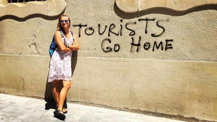 tourist_go_home_pic.jpg