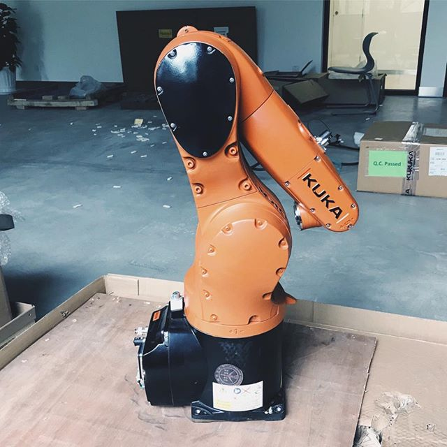 Couldn't be more excited to breathe life into this robot. #bēstia #kuka