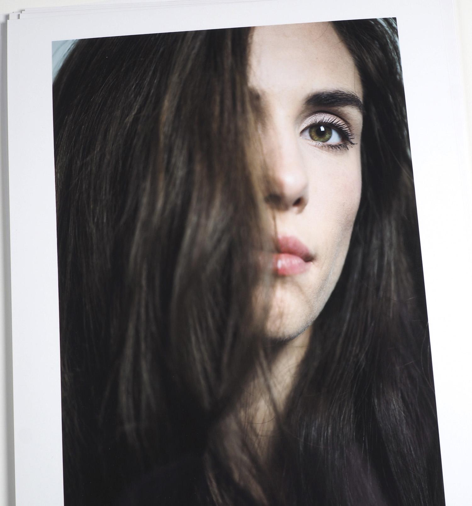 Viktoria Scharer - Selbstportrait. All Pictures copyright by Victoria Scharer