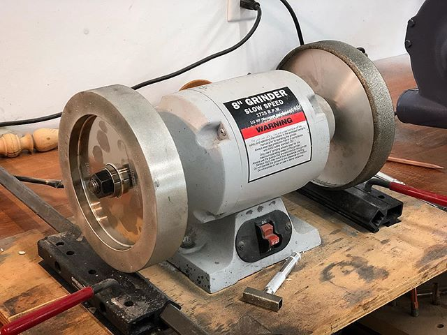 New CBN's installed on the old grinder and a new Baldor from @toolsforworkingwood with the blue wheels for drawknives and initial grind on drill bits!