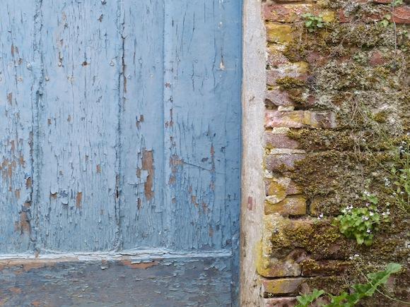 gerberoy-blue-wall.jpg