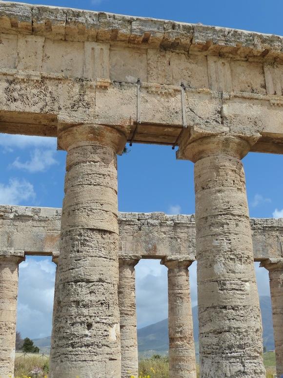 segesta-columns3.jpg