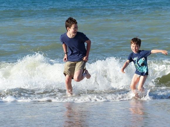 scopello-beach-boysplay.JPG