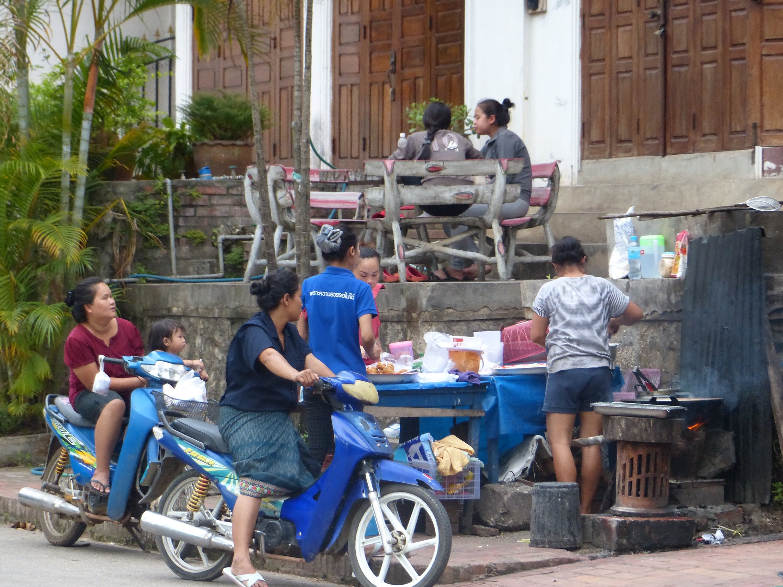 Streetside pick-up in Luang Prabang