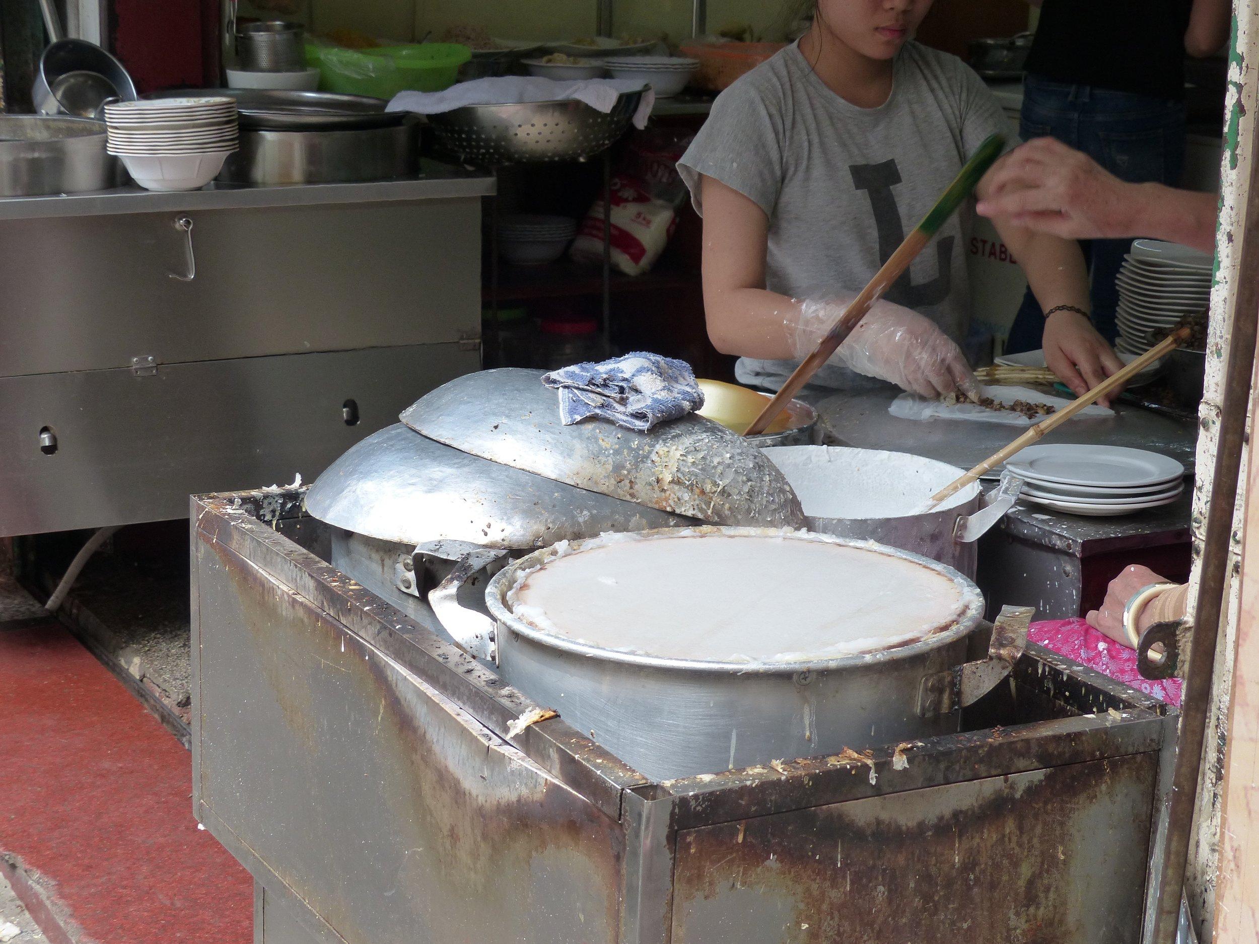 Street food restaurants have a rhythm to their process.