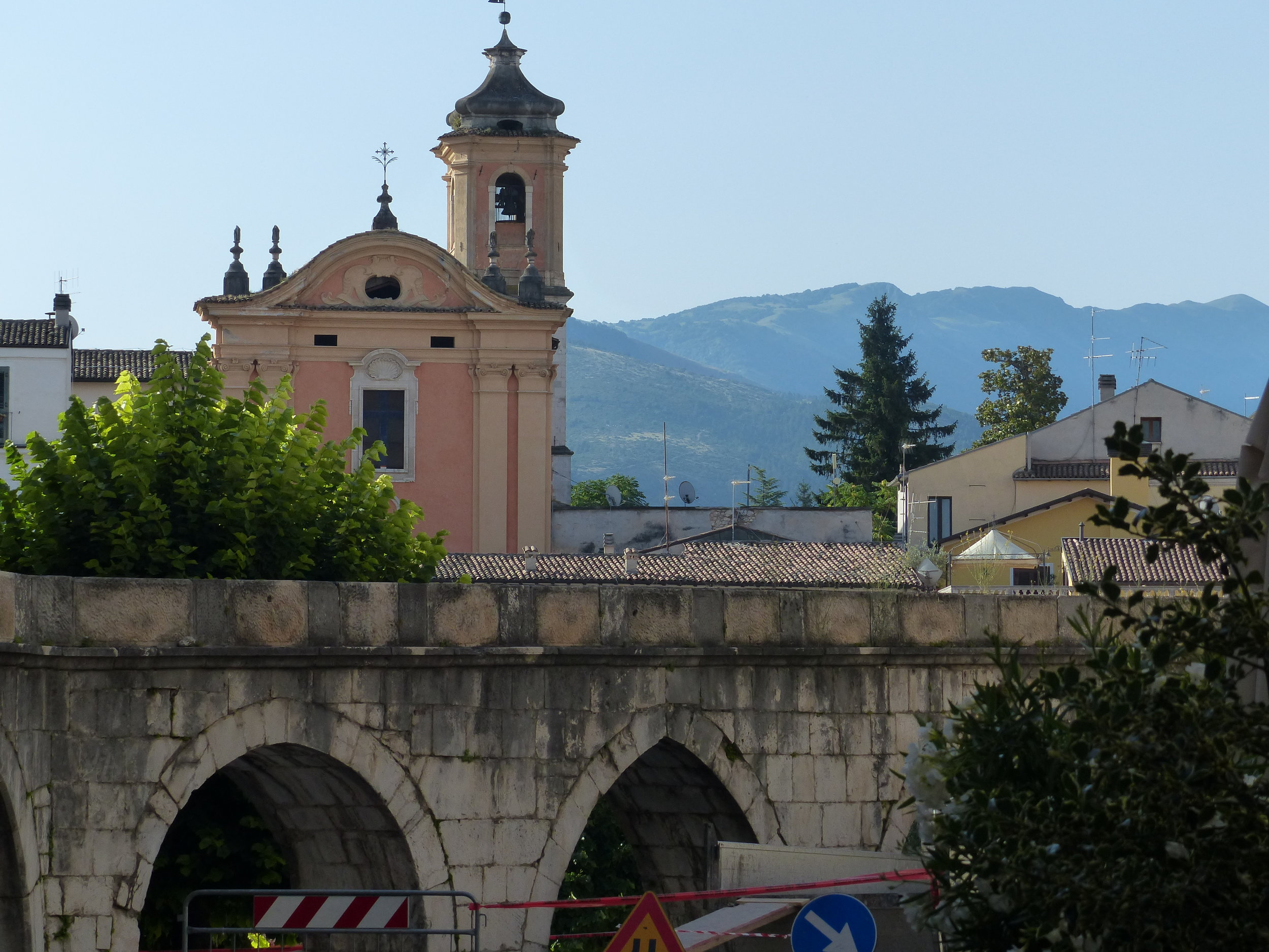 Another aqueduct view