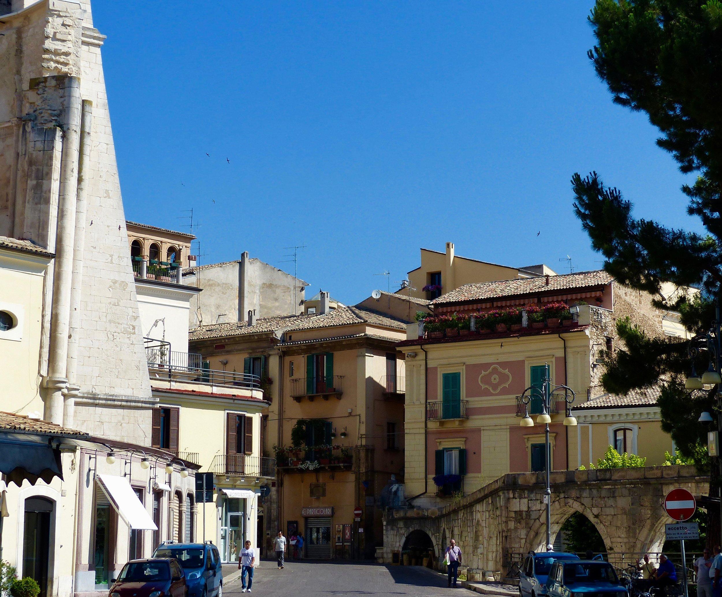 sulmona-piazza-6.jpg