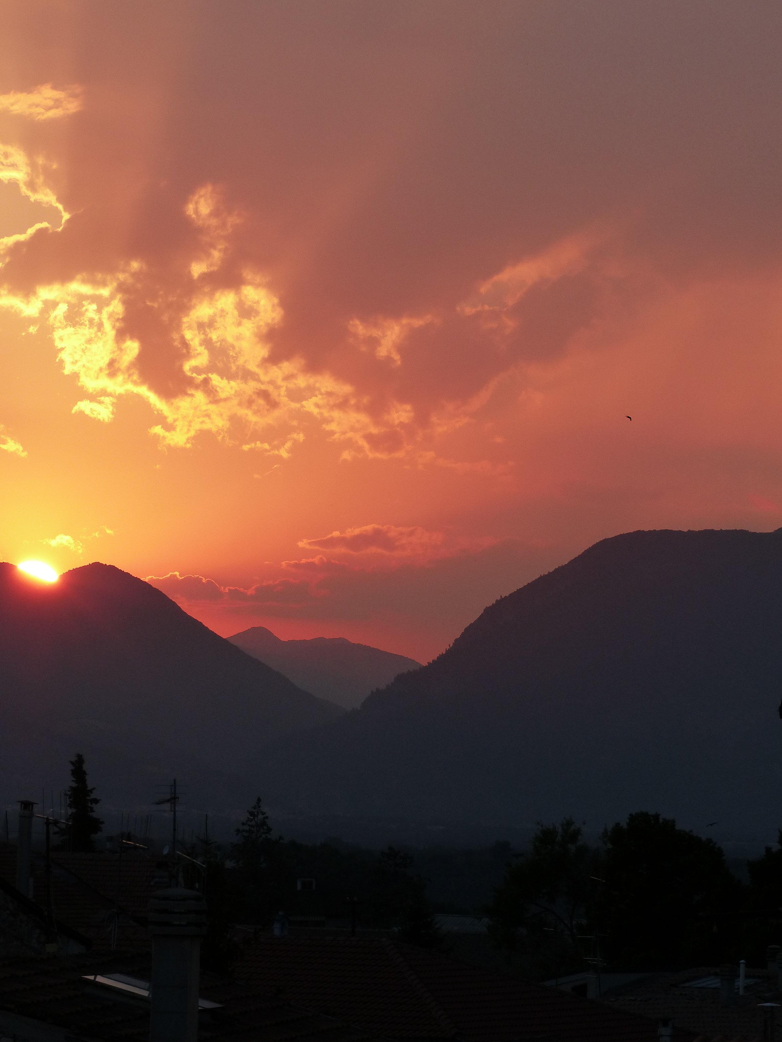 sulmona-sunset.JPG