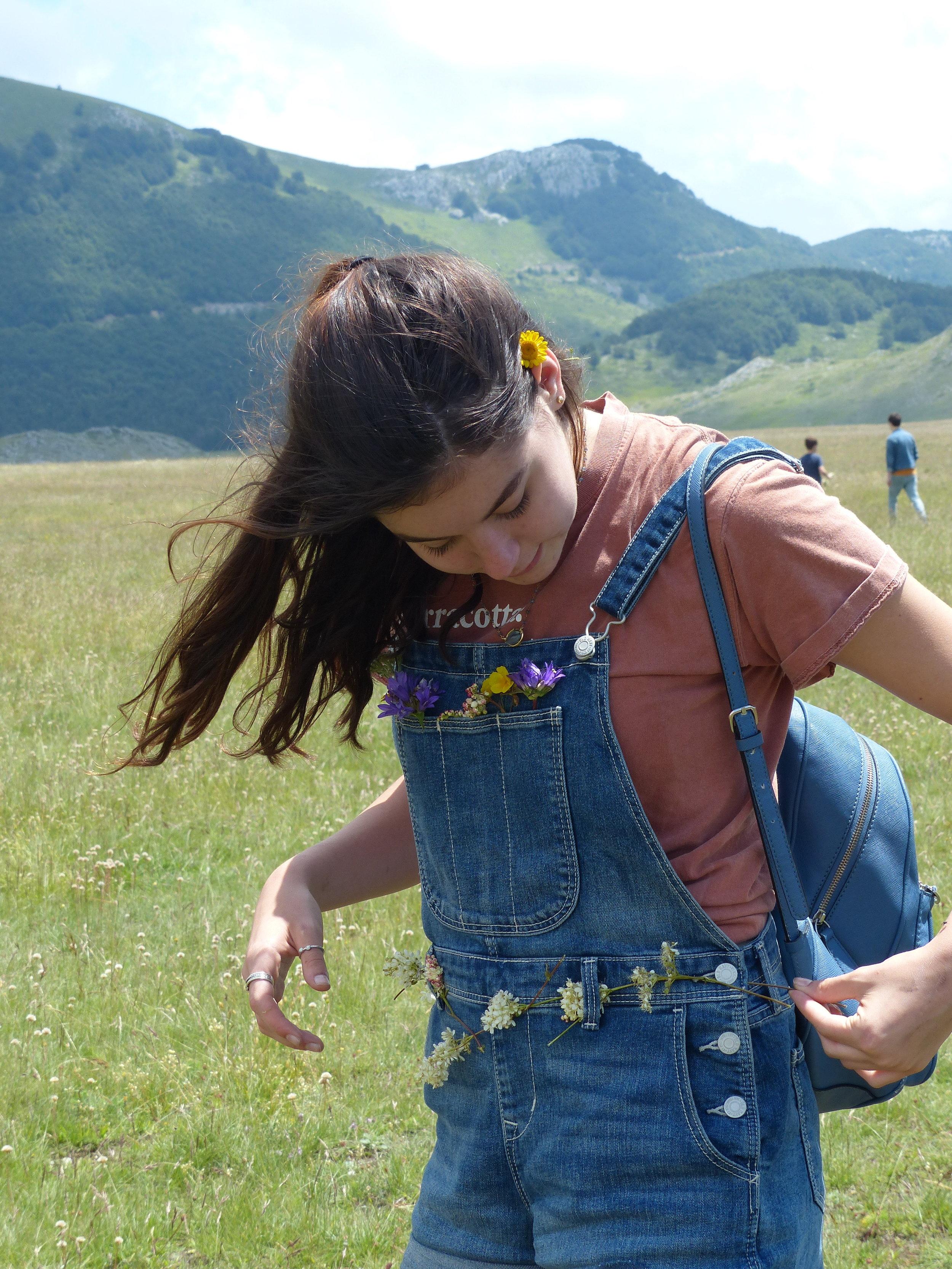 Siena festoons herself with wildflowers outside Ristoro Mucciante in Abruzzo
