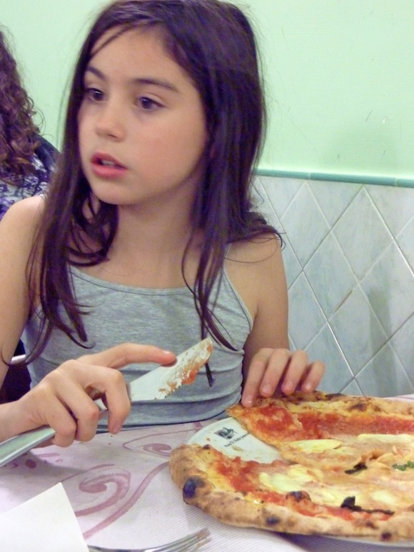 pizzeria di matteo, naples pizza, italy