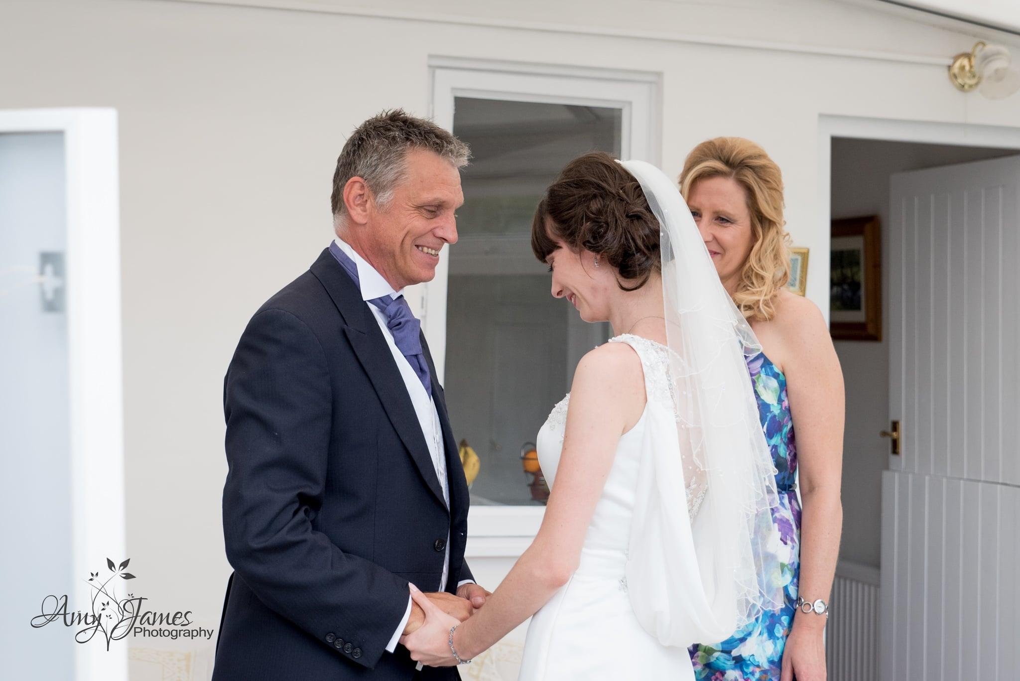 Hampsire wedding photographer