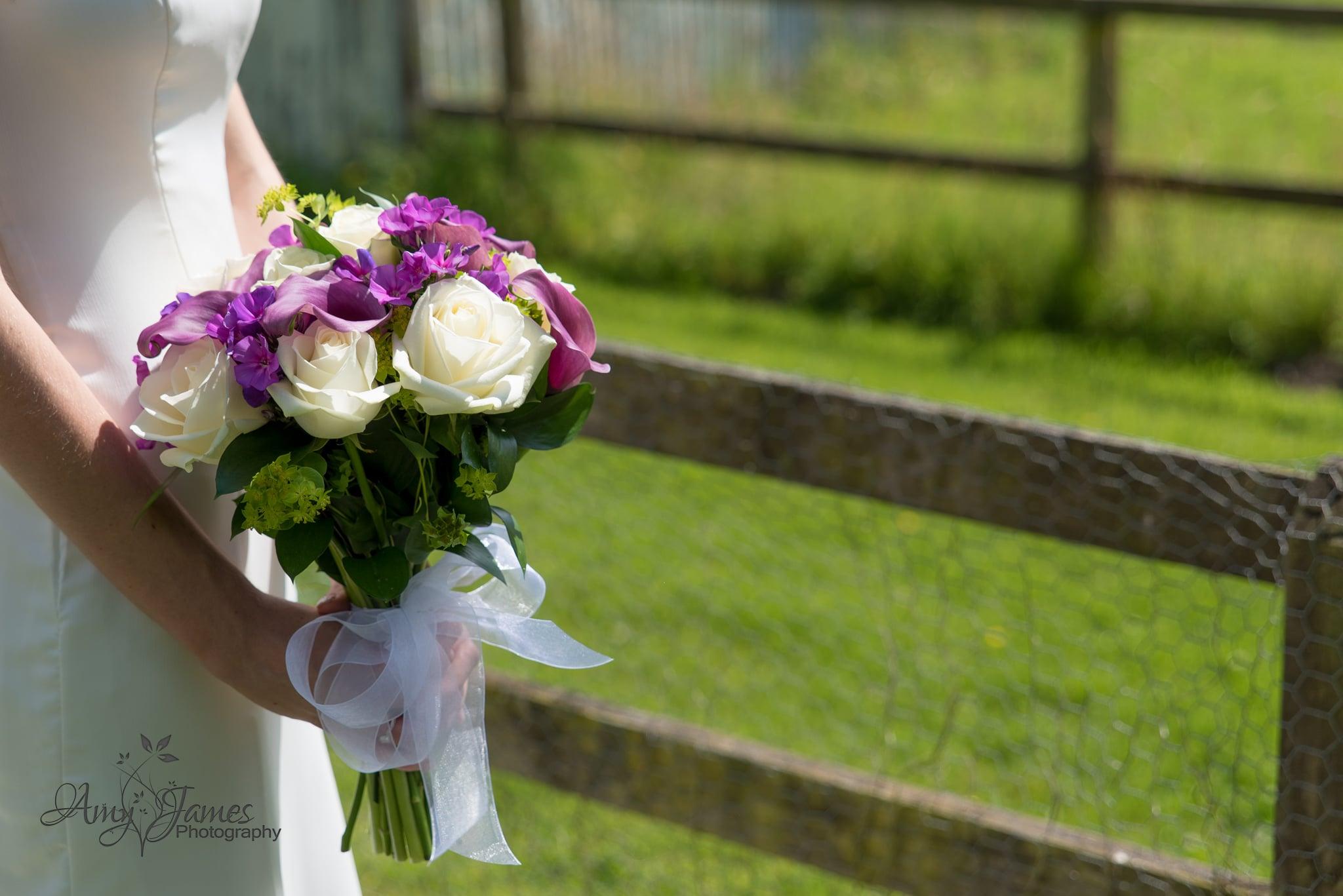 Hampshire wedding photographer / Hampshire barn wedding