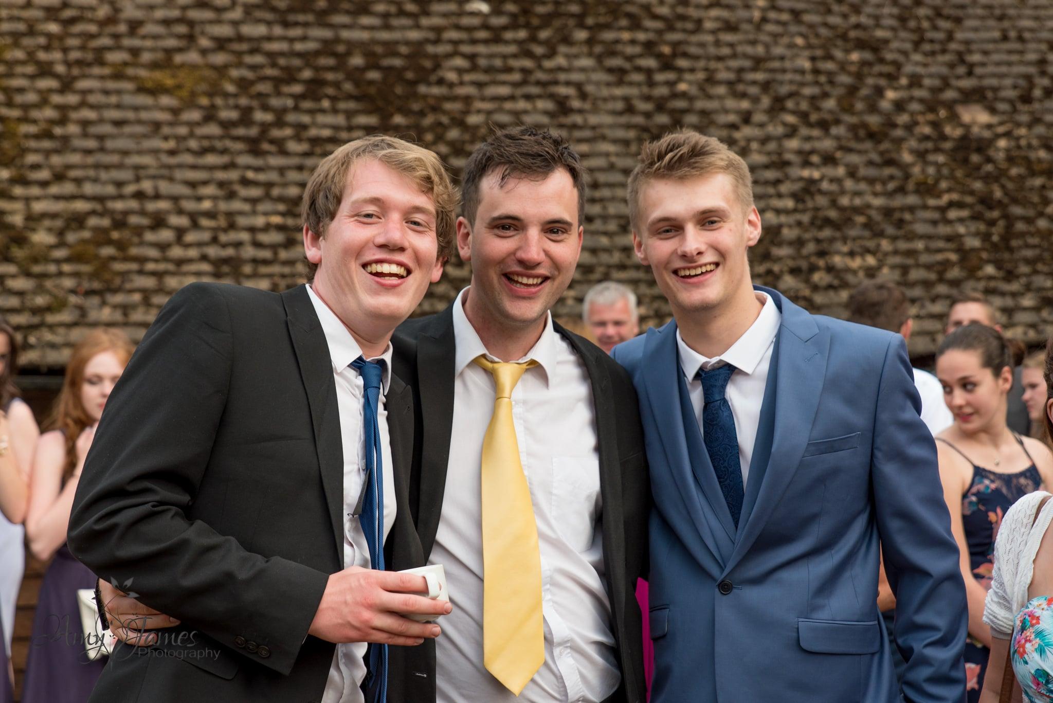 Hampshire wedding photographer / Fleet wedding photographer / Hampshire barn wedding
