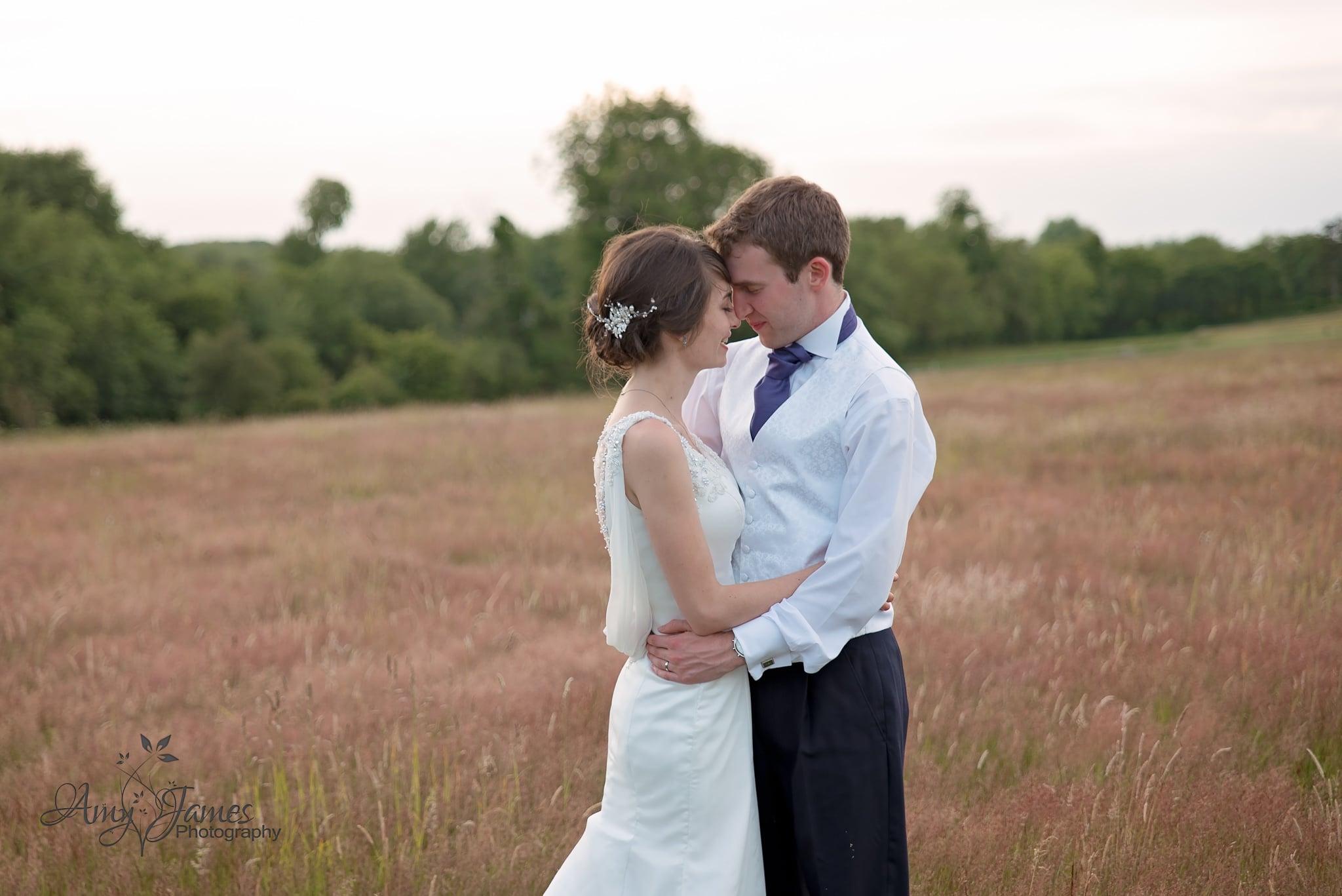 Hampshire wedding photographer / Barn wedding / Fleet wedding photographer