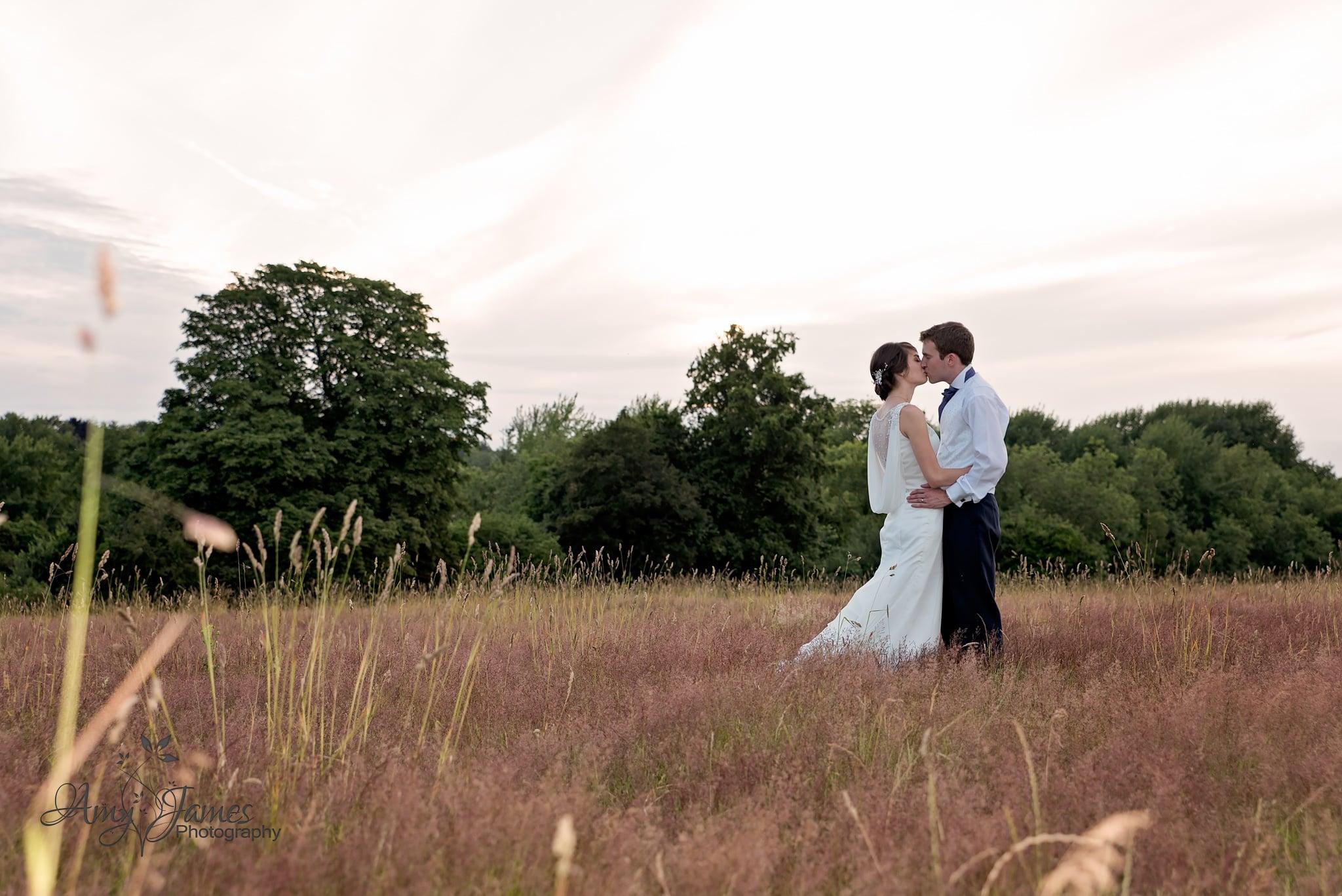 Hampshire wedding photographer / Fleet wedding photographer / Barn wedding