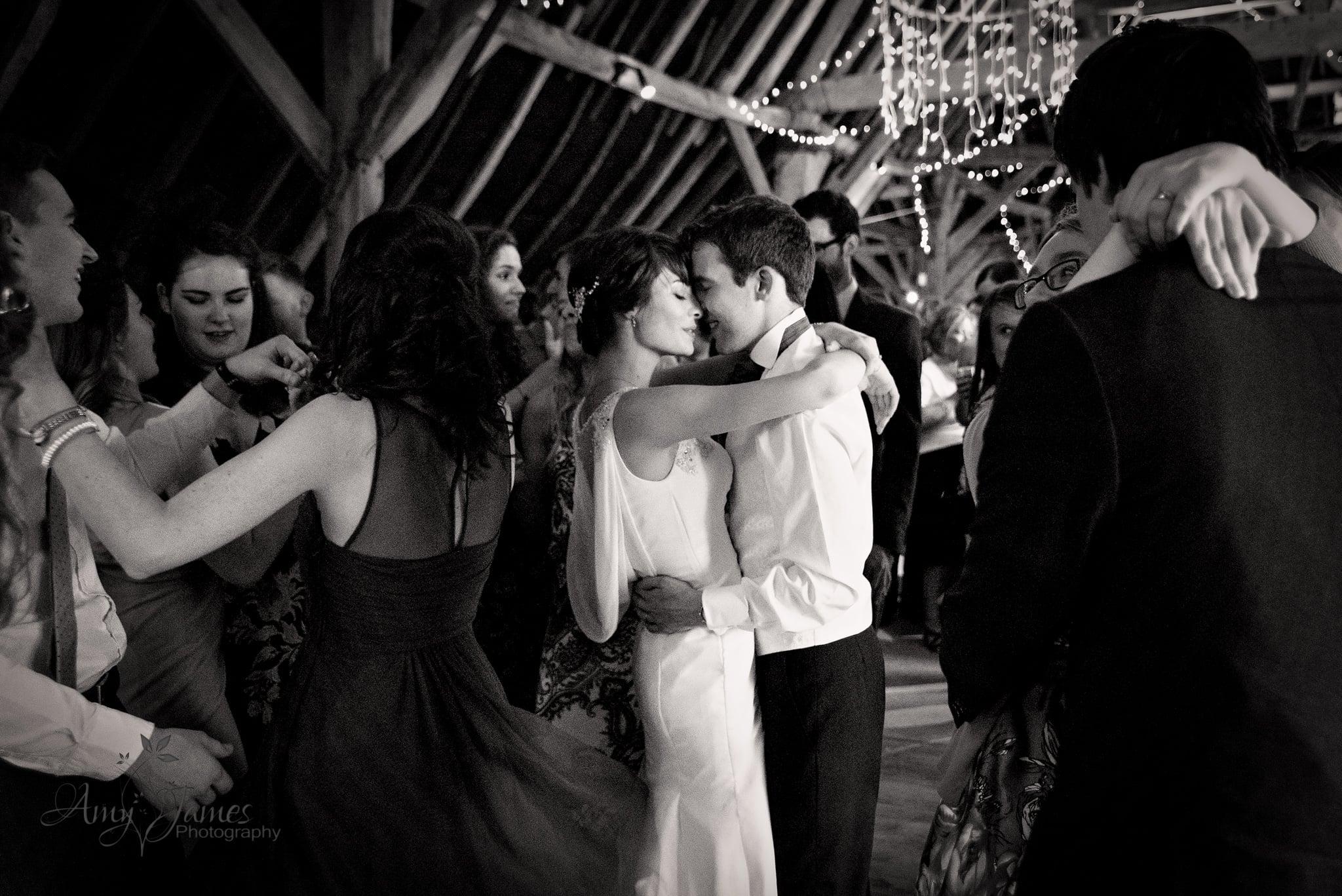 Hampshire wedding photographer / First dance / fleet wedding photographer / Barn wedding